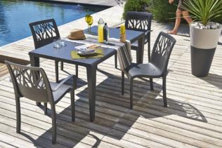 A ogni uso, il suo tavolo da giardino !